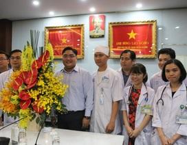 Thành Đoàn TPHCM đến động viên bác sĩ điều trị bệnh nhân virus corona