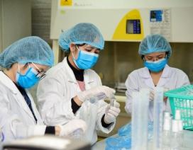 Trường ĐH Việt Pháp sản xuất dung dịch rửa tay khô phòng virus corona