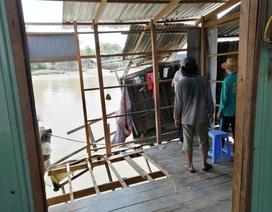 Sạt lở bờ sông, di dời khẩn cấp 2 hộ dân