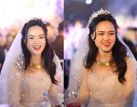 Cô dâu của cầu thủ Duy Mạnh mặc váy cưới, trang sức kim cương tiền tỷ