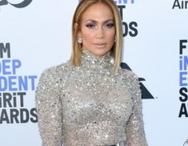 Jennifer Lopez bất ngờ mặc xấu