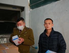 Phát hiện một người Trung Quốc thu gom 50 thùng khẩu trang tại Hà Nội