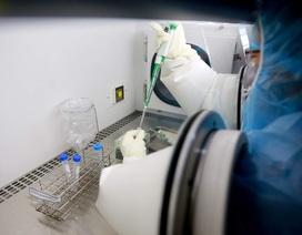 Lấy mẫu xét nghiệm Covid-19 cụ bà bị sốt, ho sau khi quá cảnh ở Hàn Quốc