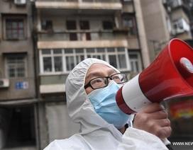 """Vũ Hán """"gõ cửa"""" từng nhà, kiểm soát người nhiễm virus như thời chiến"""