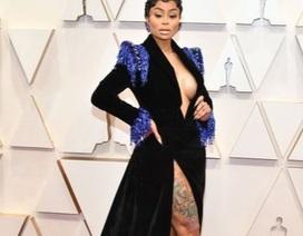 """Những bộ váy thảm họa của """"sao"""" trên thảm đỏ Oscars 2020"""