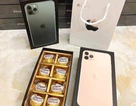 Hộp quà iPhone sang chảnh tặng Valentine khiến chị em mừng hụt