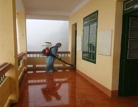 Lào Cai: Phun thuốc khử trùng trước ngày đón học sinh trở lại học