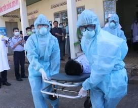 Huy động 500 y bác sĩ nghỉ hưu và gần 2.000 sinh viên y khoa chống dịch