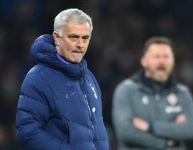 HLV Mourinho gạch tên Man Utd khỏi cuộc đua top 4 Premier League