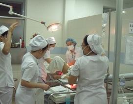 Sinh thuận tự nhiên, 2 mẹ con sản phụ phải nhập viện cấp cứu