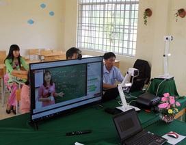Học sinh vùng quê thích thú với lớp học trực tuyến giữa mùa dịch