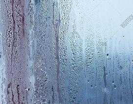 """Bật quạt, mở cửa sổ và những sai lầm khiến nhà thêm """"chảy nước"""" mùa mưa ẩm"""