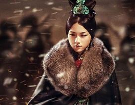 Trở lại màn ảnh nhỏ sau 12 năm vắng bóng, Thang Duy hóa hoàng hậu quyền uy