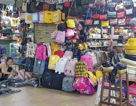 """Đà Nẵng: Dân sợ không đi chợ, hàng quán ngồi chơi vì """"bão"""" dịch corona"""
