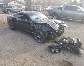 Nhân viên đại lý đâm hỏng xe Mustang của khách khi lái thử