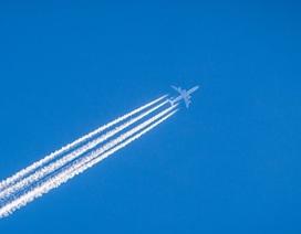 Máy bay bay thấp hơn có thể giúp giảm 59% tác động của khí hậu