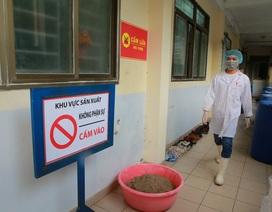 Sản xuất 500 lít nước rửa tay hỗ trợ người dân vùng tâm dịch Sơn Lôi
