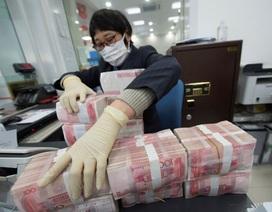 """Trung Quốc """"cách ly"""" tiền cũ, phát hành khẩn cấp tiền mới vì virus corona"""