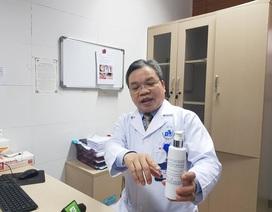 Chuyên gia cảnh báo nước sát khuẩn giả gây viêm da, vô tác dụng với corona