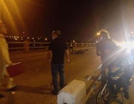 Bị xe máy tông, hai mẹ con đi ăn xin trên cầu Thanh Trì thương vong