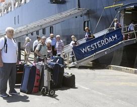Malaysia cấm bay hành khách trên du thuyền cập cảng Campuchia