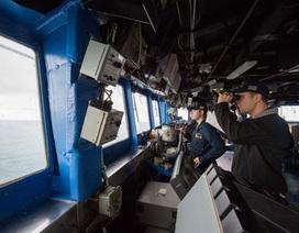 Mỹ đưa tàu chiến đi qua  Biển Đông và eo biển Đài Loan