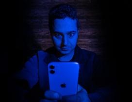 """Game mobile gây nghiện và """"rút tiền"""" người chơi tinh vi như thế nào?"""