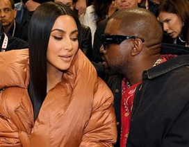 Kim Kardashian và chồng tình tứ đi xem bóng rổ