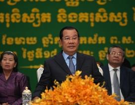 Ông Hun Sen lên tiếng vụ khách trên tàu cập bến Campuchia nhiễm corona