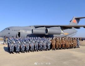 Trung Quốc điều thêm 1.200 bác sĩ quân y tới tâm dịch Vũ Hán