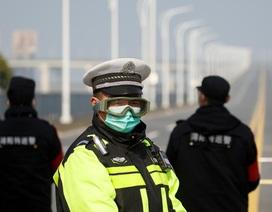 Cảnh sát Trung Quốc qua đời khi đang làm nhiệm vụ chống dịch corona