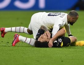 Giật cùi chỏ đối thủ, Neymar may mắn thoát thẻ đỏ