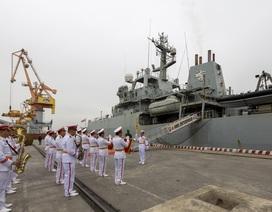 Đưa tàu thăm Việt Nam, Anh khẳng định cam kết tự do hàng hải