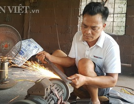 """Dùng """"chiêu song kiếm hợp bích"""", nông dân Việt bán dao làng sang Đức"""