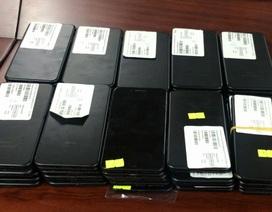 Ô tô chở lô hàng iPhone nhập lậu giá gần 3 tỷ đồng