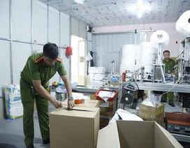 Phát hiện cơ sở sản xuất hàng chục nghìn chiếc khẩu trang y tế giả