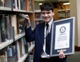 Nam sinh Anh lập kỷ lục Guinness vì nhận ra 129 cuốn sách nhờ câu đầu tiên