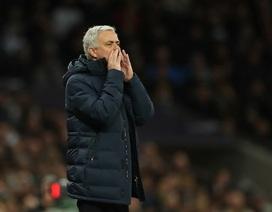 Chelsea - Tottenham: Khi tất cả quay lưng với Mourinho