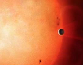 Các nhà thiên văn học đang chứng kiến cái chết của một ngoại hành tinh
