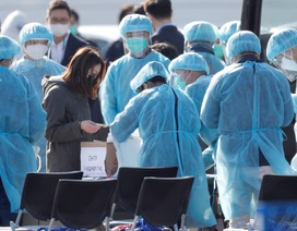 """Bộ trưởng Nhật Bản xin lỗi vì """"thả"""" 23 người chưa xét nghiệm virus corona"""