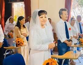 Danh ca Hương Lan làm đám cưới với chồng kỹ sư ở tuổi 63