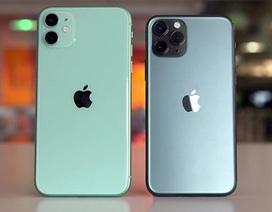 """Tỷ phú giàu thứ 3 thế giới dùng điện thoại """"cùi"""" giờ mới biết dùng iPhone"""