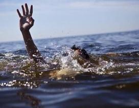 Bé trai 12 tuổi đuối nước tại hồ bơi chưa được cấp phép