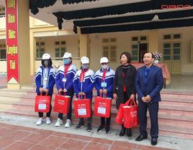 Dibao phát miễn phí hơn 9000 chiếc khẩu trang