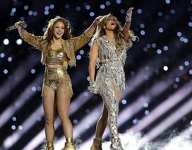 Hơn 1.300 lời phàn nàn về màn biểu diễn của Jennifer Lopez và Shakira