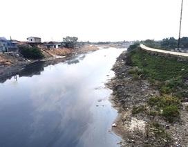 """Sông Cầu đang """"giãy chết"""", Chủ tịch tỉnh Bắc Ninh yêu cầu công an vào cuộc!"""
