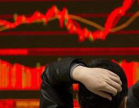 """Cú sốc giá dầu """"giáng đòn"""" xuống chứng khoán, cổ phiếu dầu khí đỏ sàn"""