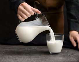 Nghiên cứu mới chỉ ra mối liên quan giữa sữa và ung thư vú