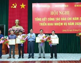 Phóng viên Báo Dân trí được UBND tỉnh Quảng Trị tặng Bằng khen