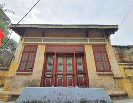"""Cận cảnh ngôi nhà """"đỏ rực"""" nổi tiếng nhất nhì làng cổ Cự Đà"""